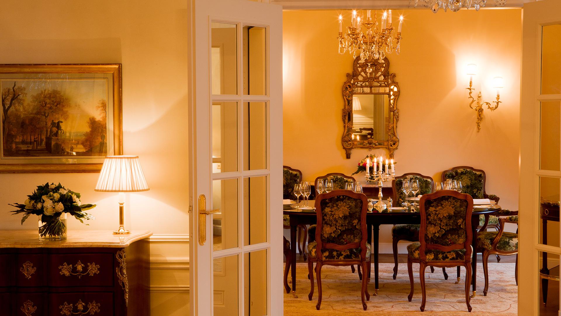 Imperial suite luxury hotel paris le bristol paris for Best private dining rooms bristol