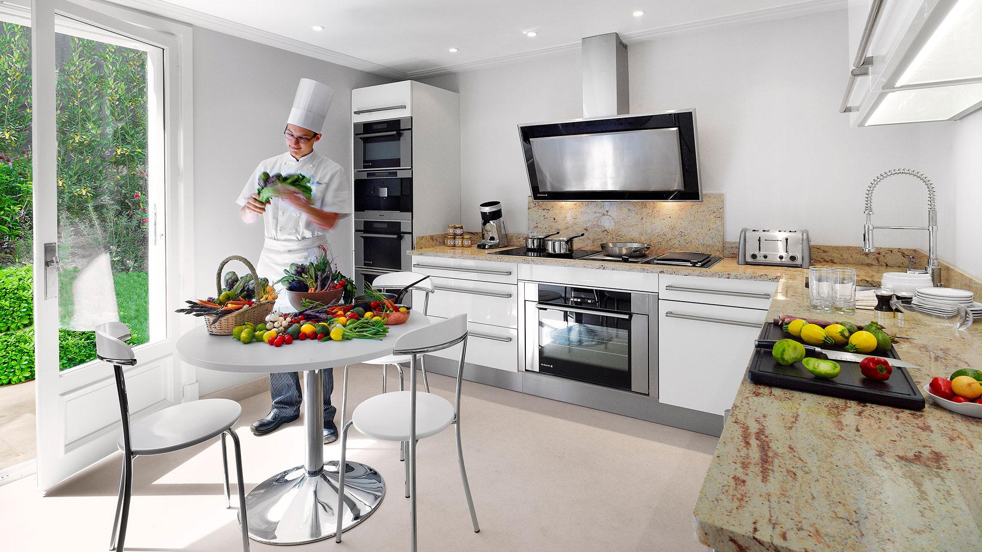 Fantastic Roc Kitchen Adornment Cabinets Ideas