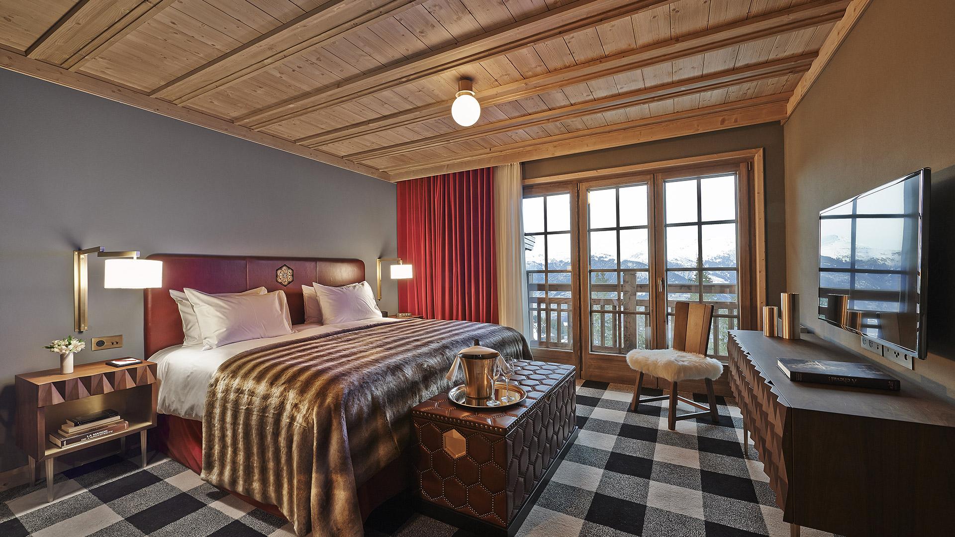 Prestige Room Luxury Ski Holidays L Apog 233 E Courchevel